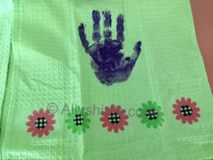 handprint towel